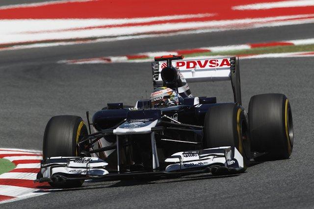 Po wykluczeniu Hamiltona z pole position wyruszy Pastor Maldonado