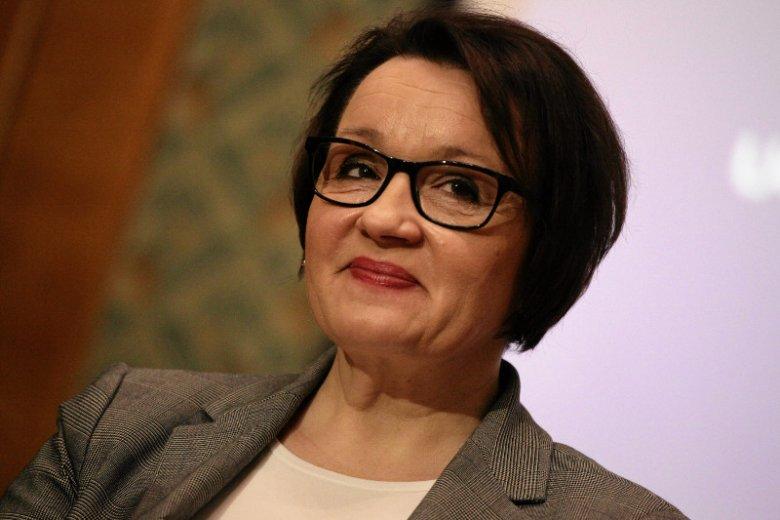 Anna Zalewska utrzymuje, że reforma PiS nie będzie kosztowała samorządów nawet złotówki. Nie wierzy w to nawet jej kolega z rządu, minister Henryk Kowalczyk, który domaga się wyliczeń.