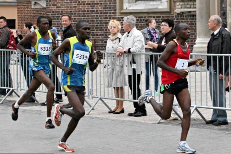 Radny nie chce, by na świdnickich zawodach sportowcy biegali dla pieniędzy. Źle jednak dobrał słowa.