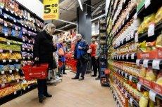 Aż 56 proc. Polaków popiera ustawę o ograniczeniu handlu w niedziele.