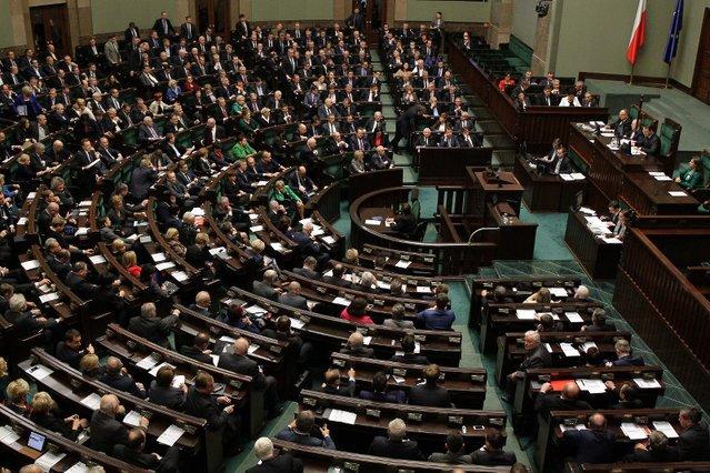 Za nowe logo oraz księgę identyfikacji wizualnej Sejm zapłacił 12 tys. euro