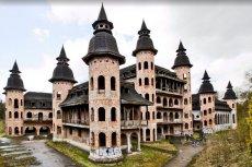 Budowę zamku w Łapalicach rozpoczęto prawie 30 lat temu, ale inwestor - osoba prywatna - nigdy jej nie ukończył. Obecnie zamek niszczeje, choć przyciąga też turystów.