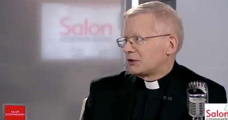 """Ksiądz Henryk Zieliński w programie """"Salon Dziennikarski"""" w TVP Info wyraził opinię, że Magdalena Żuk i inne kobiety samodzielnie jeżdżące do państw arabskich proszą się o nieszczęście."""