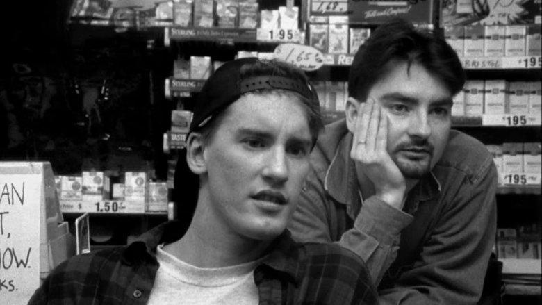"""Bohaterami kultowego filmu Kevina Smitha są typowe """"iksy""""."""
