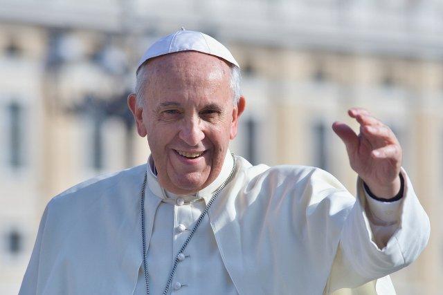 Papież apeluje do parafii i klasztorów: Przyjmijcie po jednej rodzinie uchodźców