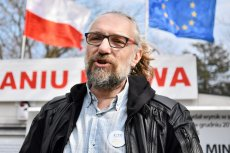 Organizacja Mateusza Kijowskiego ma już nie tylko problemy polityczne i wizerunkowe. KOD do upadku doprowadzić może także kondycja finansowa.