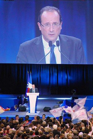 Hollande podczas wiecu wyborczego w Rennes.