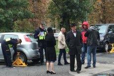Strażnicy miejscy założyli blokadę na auto, którym jechał Janusz Korwin-Mikke.