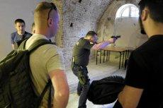 Zdobycie pozwolenia na broń do ochrony własnej wymaga spełnienia wielu wymogów.