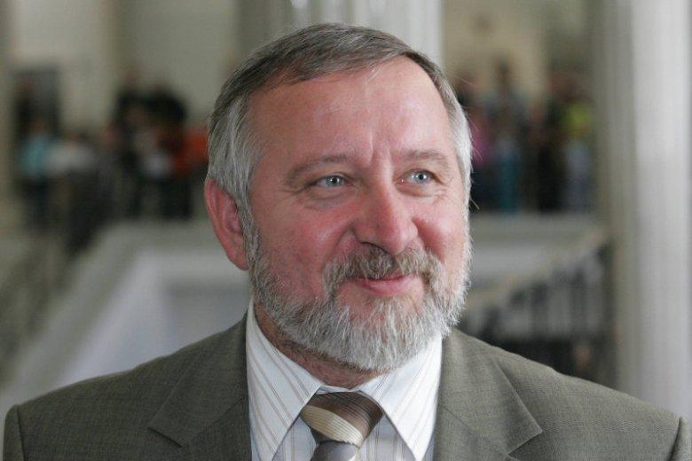 """""""Gazeta Polska"""": Klub z przewodniczącym Janem Bestrym został zawieszony. Zdjęcie posła Bestrego pochodzi z 2006 r., gdy ogłaszał on odejście z Samoobrony, by wesprzeć PiS."""