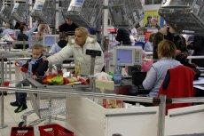 Badacze zajęli się problemem sklepowych kolejek. Odpowiedź kryje w sobie haczyk.
