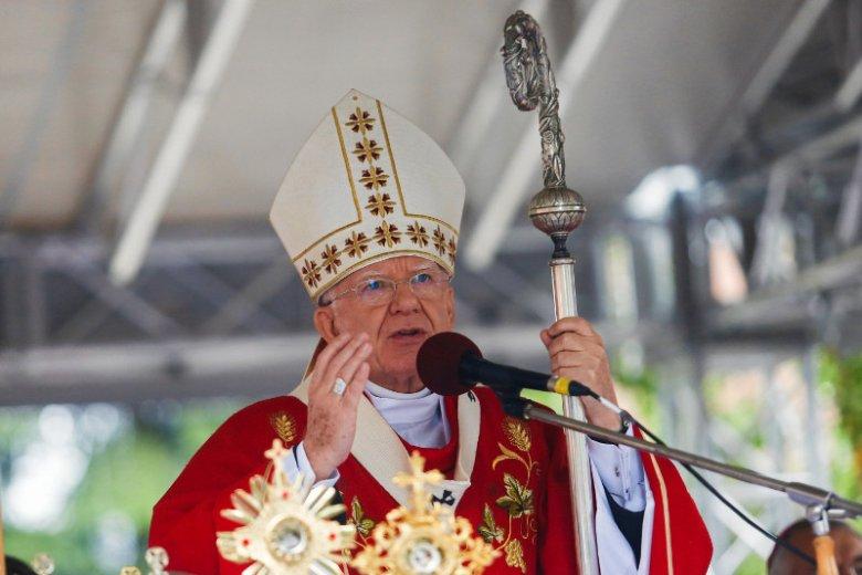 Eliza Michalik: Sądzę, że sytuacja dojrzała do tego, żeby przestać rozmawiać tylko o biskupach i ich skandalicznych wypowiedziach, a zacząć także o polskich katolikach.