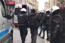 Według policji w trakcie tego zatrzymania kobieta nie usłyszała żadnych obscenicznych słów.