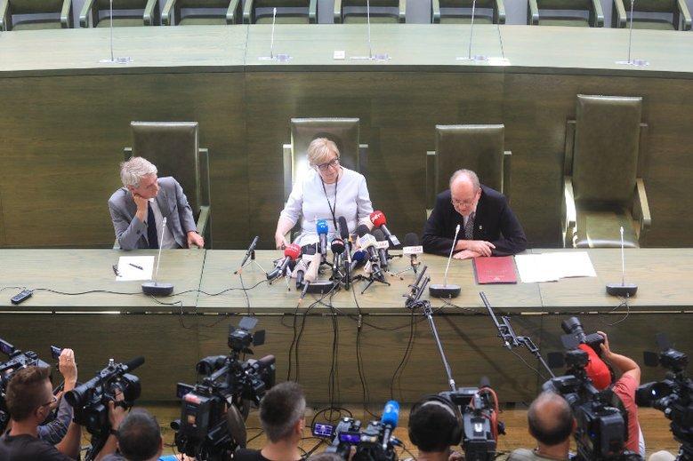 PiS przepuścił takie błędy w nowelizacji ustawy i SN, że na razie nie ma kto wybrać owego prezesa sądu.