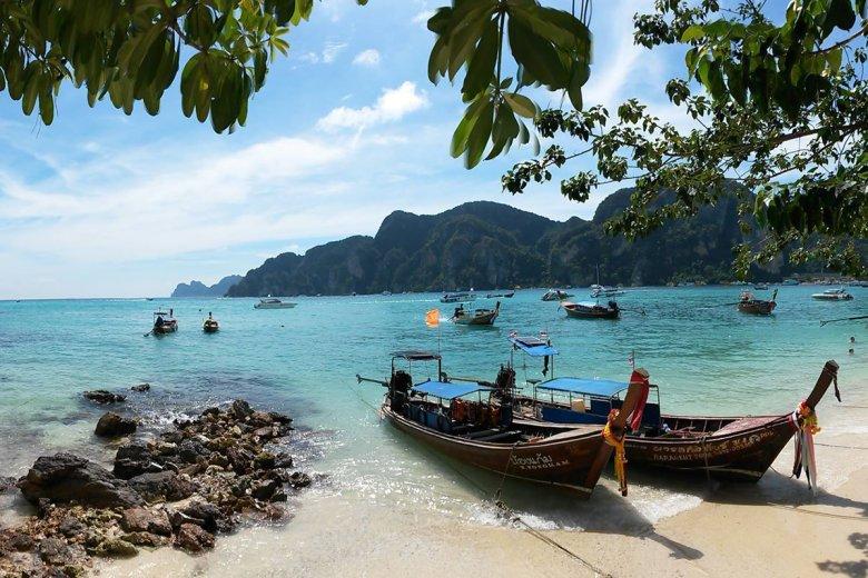 Plaża na jednej z wysp Phi Phi
