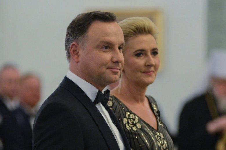 Para prezydencka odwiedziła rodziców sześcioraczków w krakowskim szpitalu.