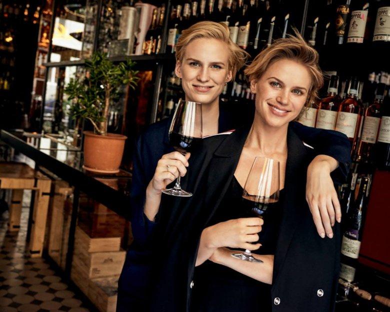 Stefania i Paulina Cybulskie, właścicielki Nowina Wine Bar