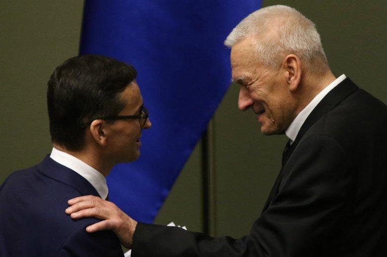Oskarżenia ks. Jegierskiego uderzają nie tylko w marszałka - seniora, pośrednio także w nowego premiera.