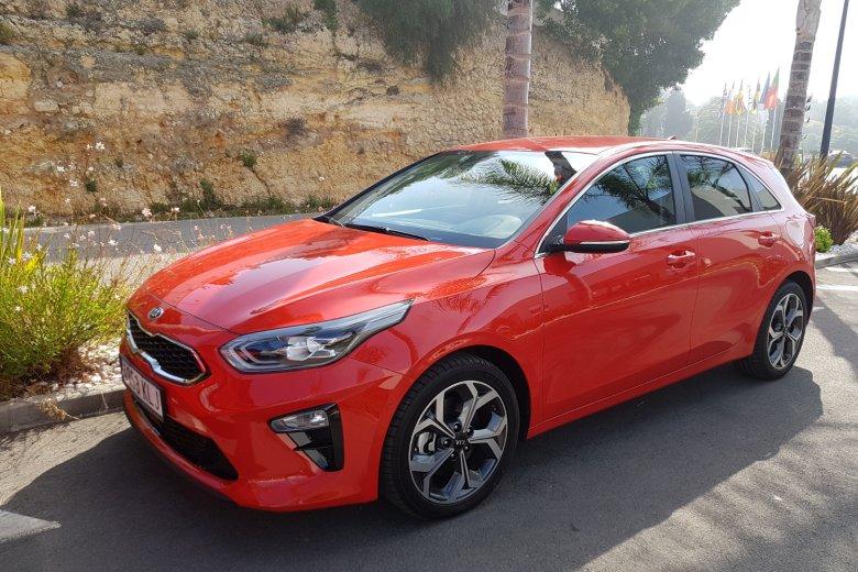 KIA Ceed trzeciej generacji to właściwie samochód zaprojektowany on nowa, choć pozornie aż tak bardzo nie różni się od poprzednika.