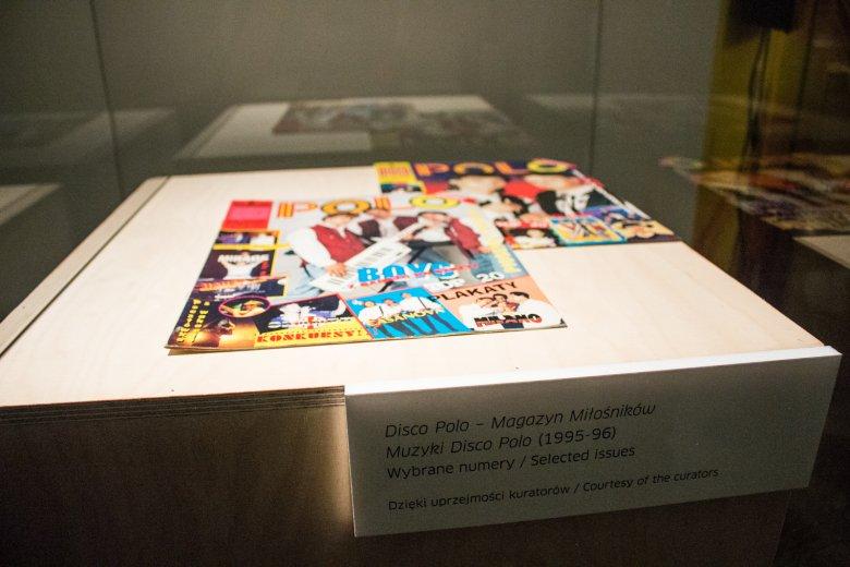 Kto by w latach 90. pomyślał, że kiedyś gazetki o disco polo będą pokazywane w muzeach w szklanych gablotach, prawda?