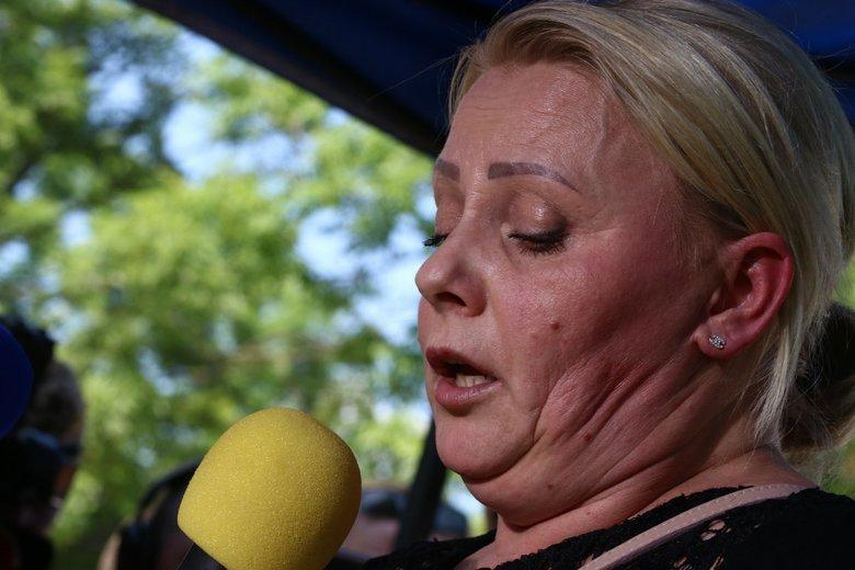 """Iwona Harwich wróci na listę KO? Schetyna zapowiada, z znajdzie się dla niej """"trójka"""" na liście."""