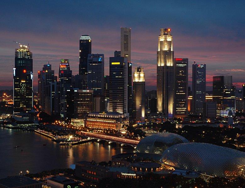 Singapur tuż po zachodzie słońca.