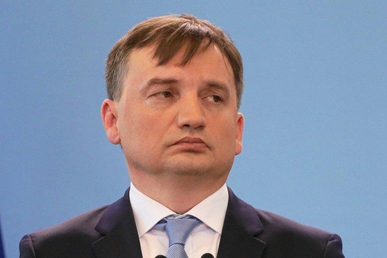 Zbigniew Ziobro powinien podać się do dymisji – taką odpowiedź w sondażu SW Research dla rp.pl wskazało 46,4 proc. respondentów.