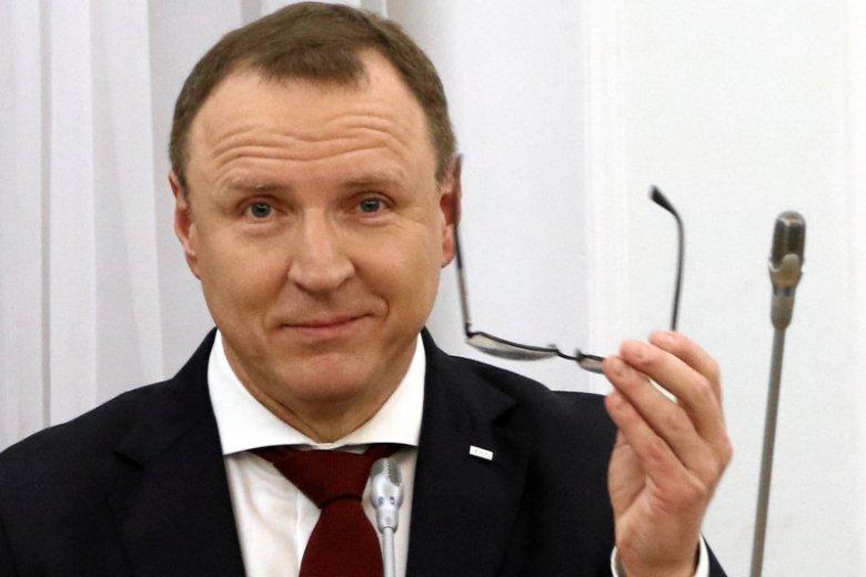 Jacek Kurski rozsyłał upominkowe wino. Zbigniew Boniek z niego zakpił.