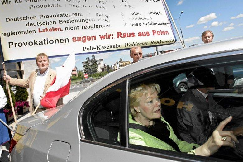 Posłowie PiS zapomnieli, jakim oburzeniem kipieli, gdy Erika Steinbach mówiła o żądaniach odszkodowania dla pokrzywdzonych Niemców.