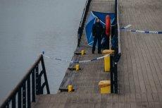Mieszkańcy Gdańska wskazują, że nabrzeże nad rzeką Motławą jest skrajnie niebezpieczne. Wyłowiono tam w czwartek dwa ciała, a przez brak zabezpieczeń tragedie mogą się powtarzać.