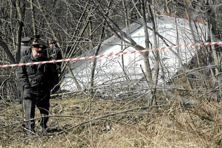 W wyniku eksplozji wewnętrznej miało dojść do zniszczenia lewego skrzydła Tu-154 M pod Smoleńskiem - podała podkomisja do ponownego zbadania katastrofy lotniczej.