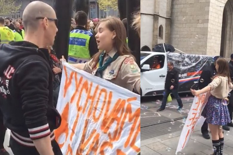 Lucie Myslikova podczas marszu nacjonalistów w Brnie.