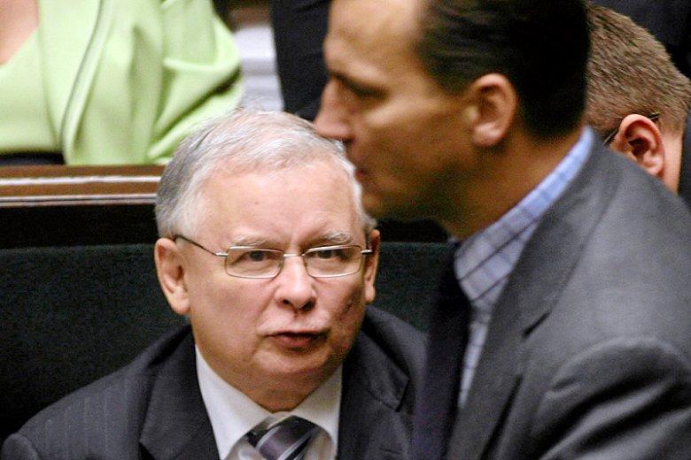 W czwartek przed Sądem Okręgowym w Warszawie ruszył proces, który Radosław Sikorski wytoczył prezesowi PiS Jarosławowi Kaczyńskiemu.