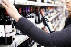 """Jakie wybrać wino, żeby nie trafić na """"truciznę""""?  Lepiej nie tańsze niż 30 zł."""