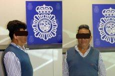 65-letni Kolumbijczyk próbował wwieźć do Hiszpanii pół kilo kokainy pod peruką. Został aresztowany.