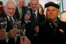 Politycy w 31. rocznicę stanu wojennego. Lewica pije szampana, a Jarosław Kaczyński organizuje marsz.