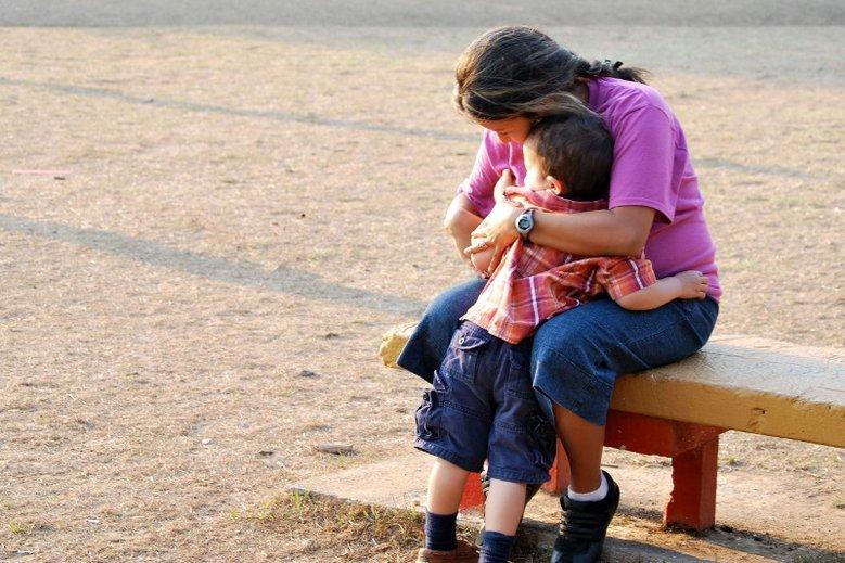 Anna, po tym jak usłyszała diagnozę, najbardziej bała się o zdrowie i życie swoich dzieci. (Zdjęcie jest tylko ilustracją do artykułu).