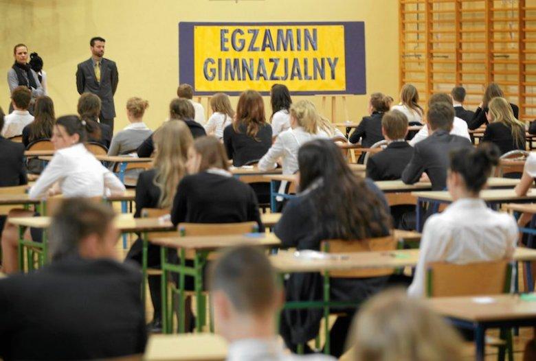 Egzaminy gimnazjalne powinny rozpocząć się bez przeszkód prawie w całym kraju.