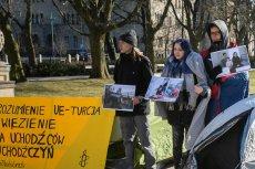 W Polsce prawa uchodźców często nie są przestrzegane.