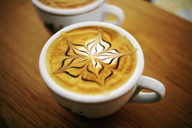 Największą marże lokale zarabiają na kawie.