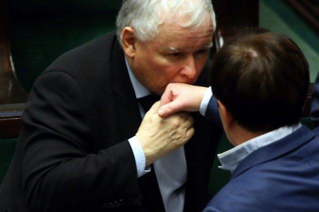Jarosław Kaczyński podziękował Beacie Szydło za zarządzanie partyjnymi finansami.