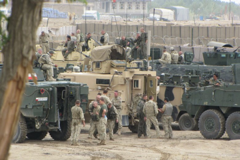 Polska misja w Afganistanie zakończyła się trzy lata temu. Jak wyglądało życie w naszych  bazach zaczynamy dowiadywać się dopiero teraz.