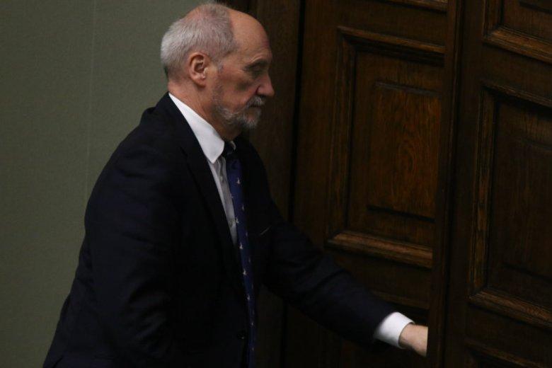 Antoniego Macierewicza na stanowisku szefa MON zastąpił Mariusz Błaszczak.