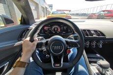 Audi R8 to auto, które dopiero na torze pokazuje, co naprawdę potrafi.