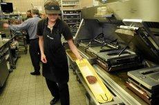 Otwarciu McDonalda w Nakle towarzyszył ksiądz z kropidłem (zdjęcie poglądowe)