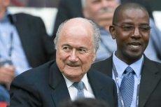 Sepp Blatter (z lewej)