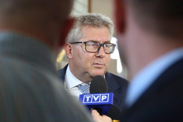 Tym razem Ryszard Czarnecki dowodzi, że Jean Claude Juncker zaczyna myśleć jak Jarosław Kaczyński.