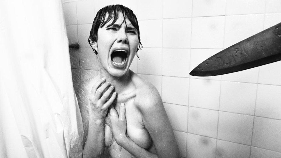 """Kultowa scena z filmu """"Psychoza"""" Alfreda Hitchcocka z 1960 roku"""