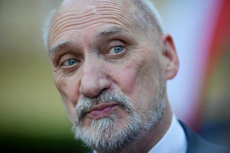 Andrzej Duda zdecydował, że marszałkiem seniorem Sejmu zostanie Antoni Macierewicz.