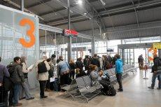 Sprawca ostatniego fałszywego alarmu bombowego na lotnisku w Modlinie to recydywista.